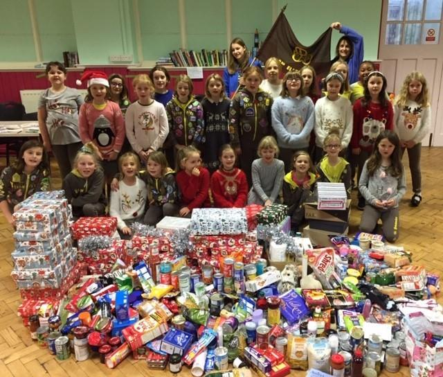 2nd Ellesmere Brownies and their food bank donations