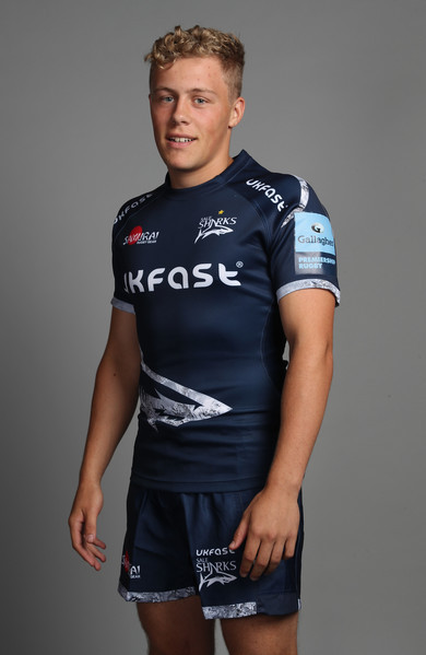 Gus Warr has signed a five-year contract at Sale Sharks